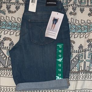 New with tags!!! Calvin Klein Bermuda shorts